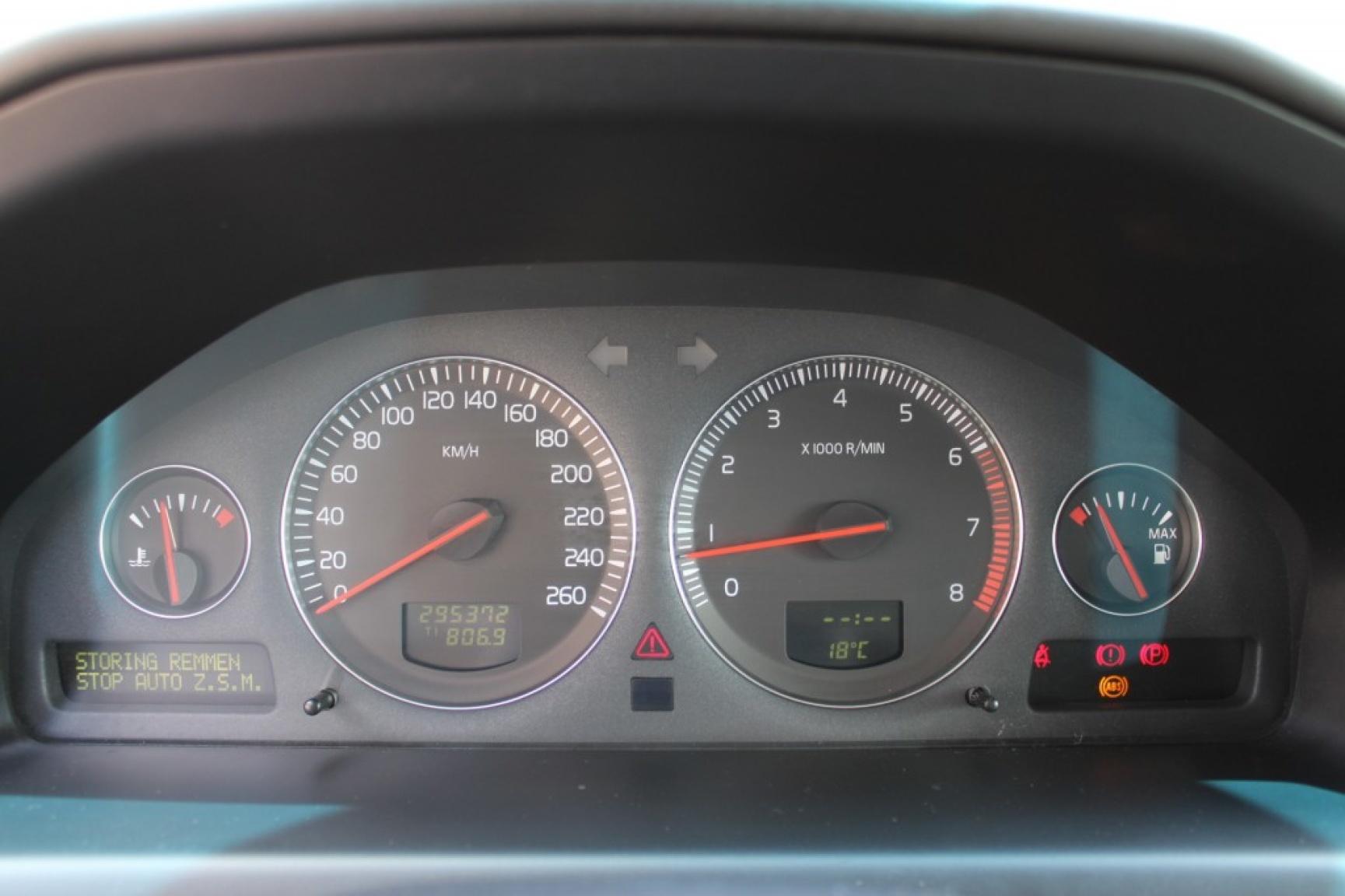 Volvo-Xc70-13