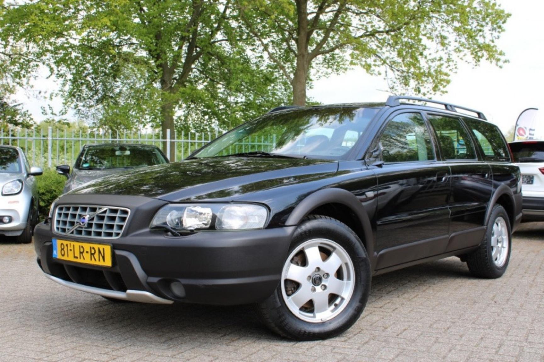 Volvo-Xc70-2