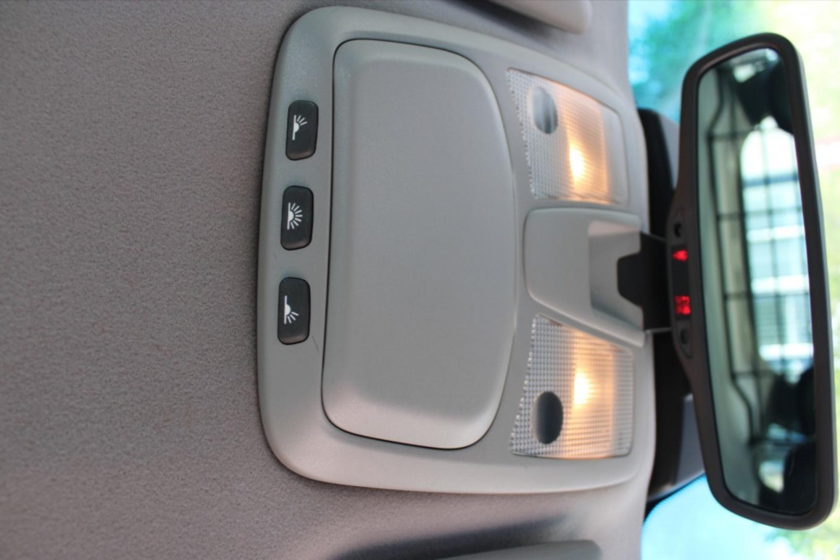 Volvo-Xc70-17